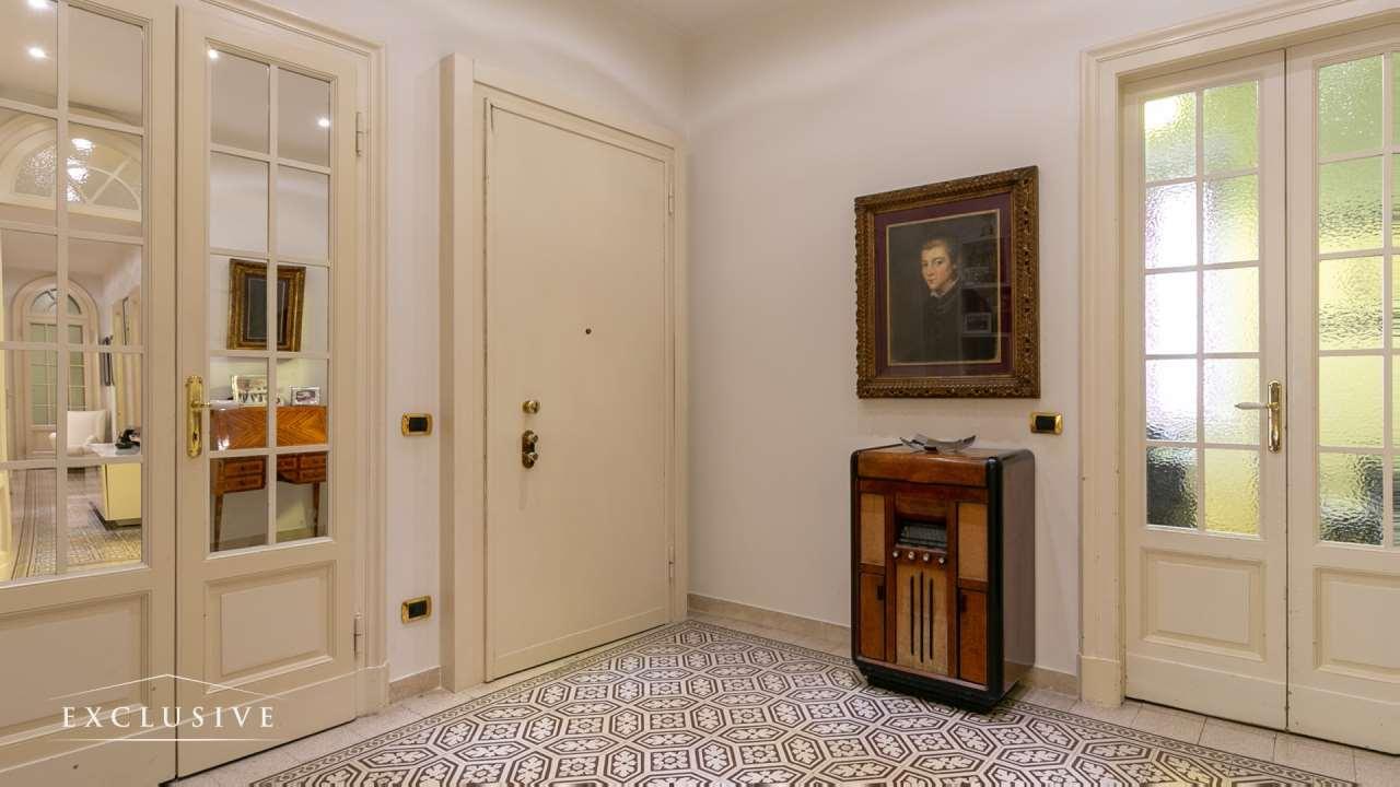 Appartamento in Vendita a Milano: 4 locali, 161 mq