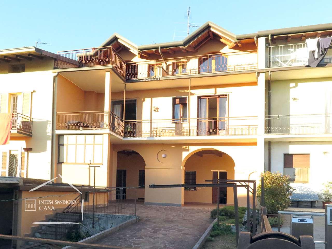 Casa indipendente in Vendita a Veduggio Con Colzano: 5 locali, 208 mq