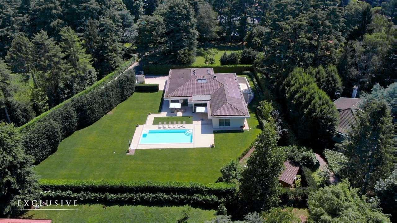 Villa in Vendita a Casatenovo: 5 locali, 644 mq
