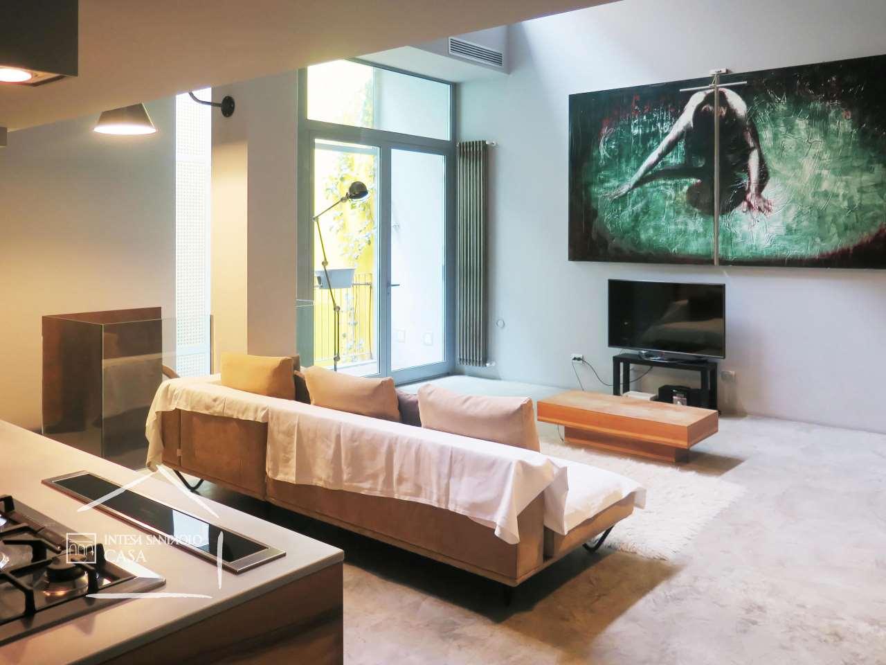 Loft open space in Vendita a Milano: 5 locali, 299 mq