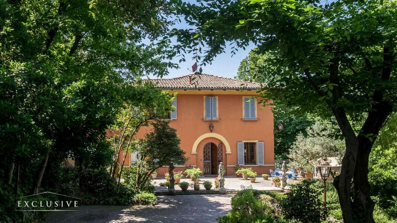 Villa in Vendita a Bologna: 5 locali, 614 mq