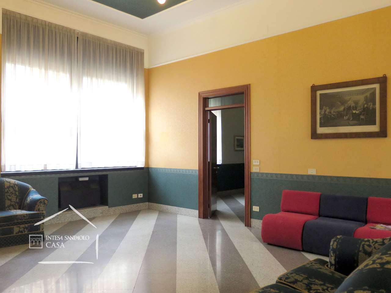 Appartamento in Vendita a Brescia: 5 locali, 290 mq - Foto 2