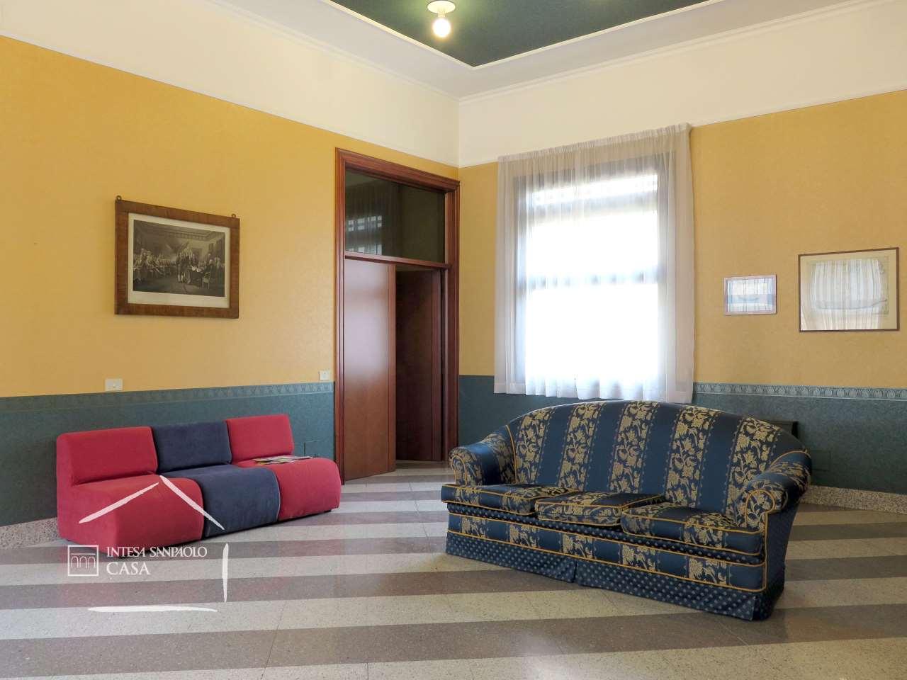 Appartamento in Vendita a Brescia: 5 locali, 290 mq - Foto 3