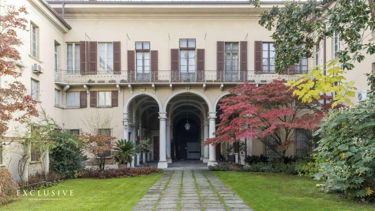 Palazzo in Vendita a Brescia Centro: 1696 mq