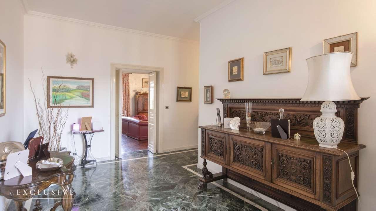 Appartamento in Vendita a Torino: 5 locali, 277 mq - Foto 2