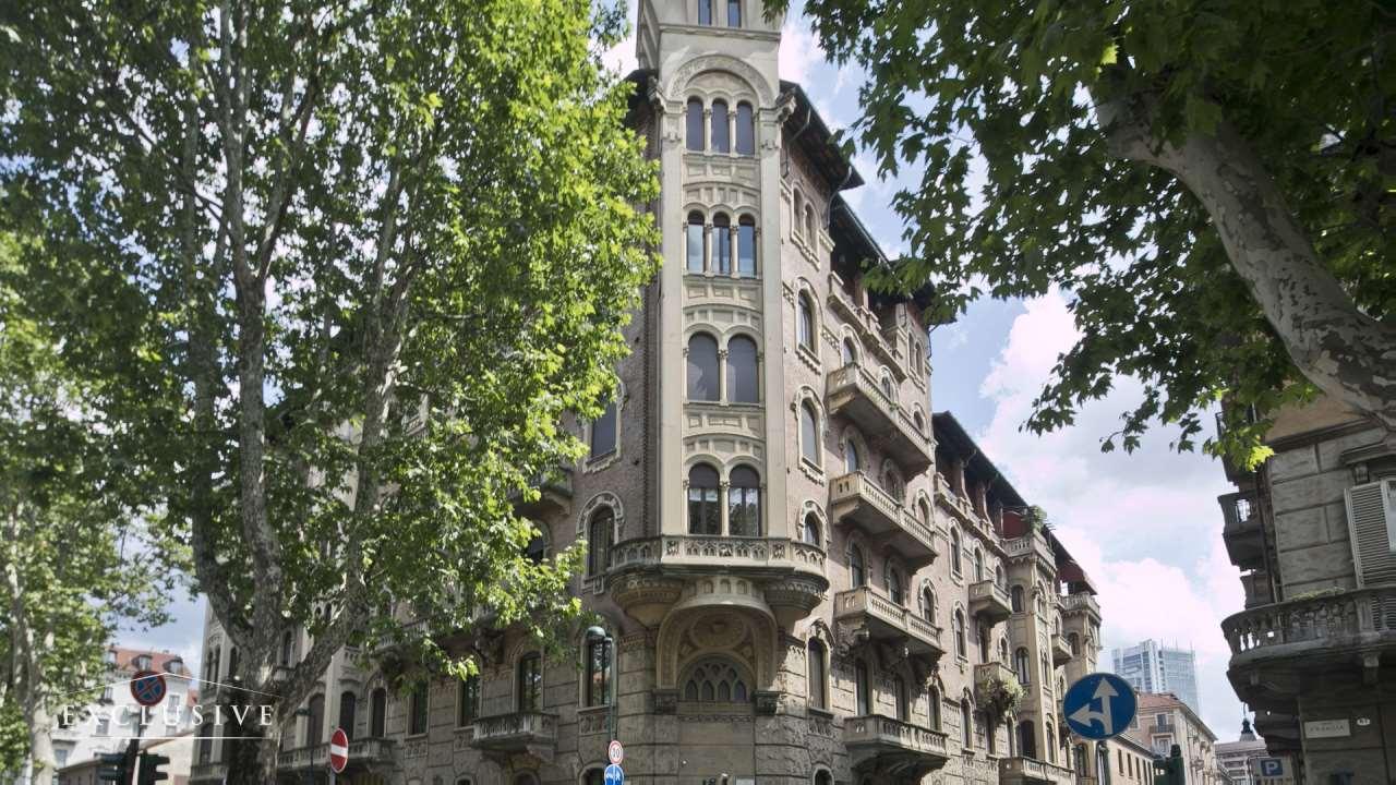 Appartamento in Vendita a Torino: 5 locali, 313 mq