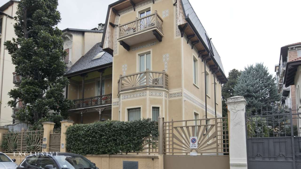 Villa in Vendita a Torino: 5 locali, 315 mq