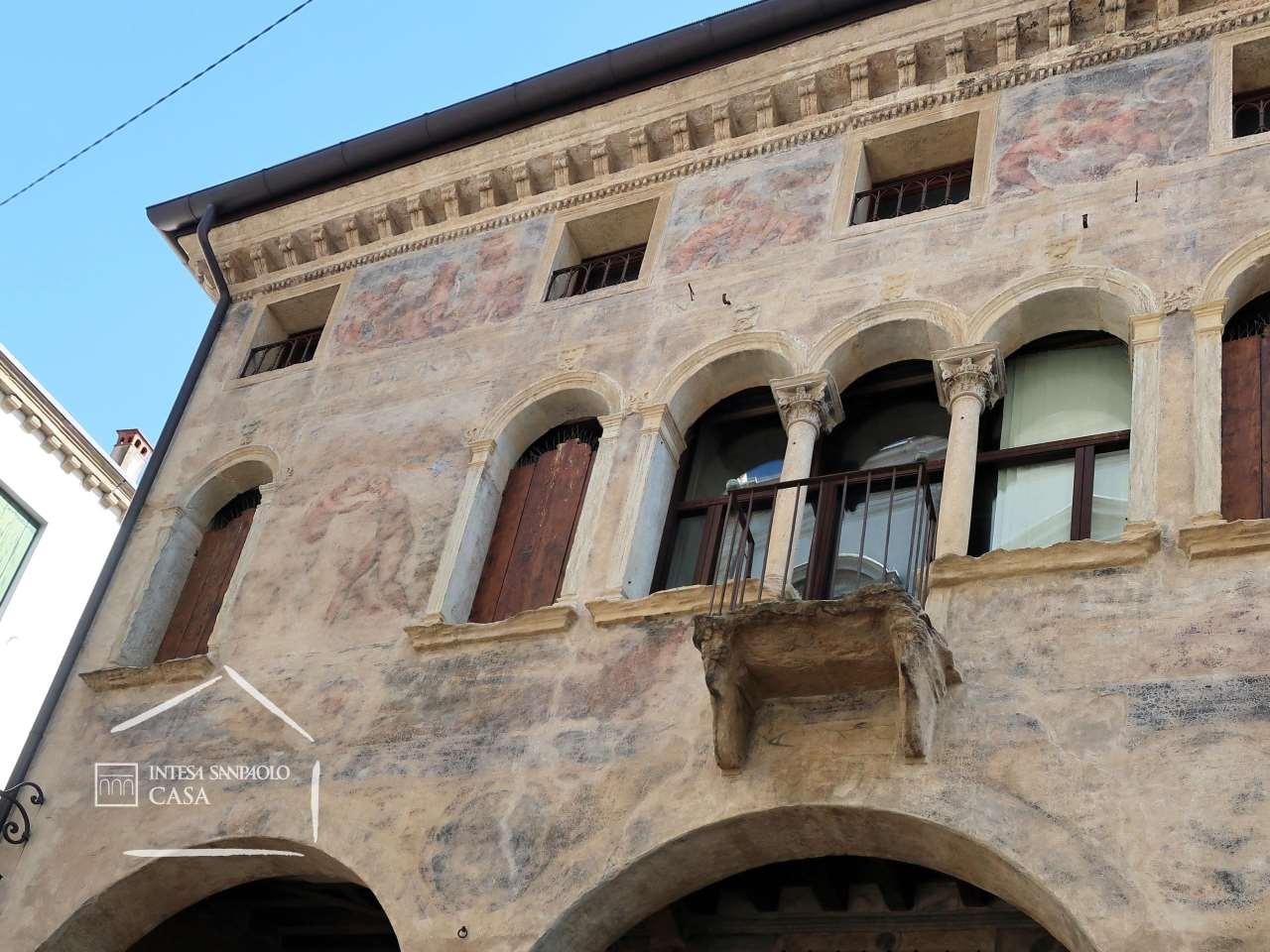 Palazzo in Vendita a Padova: 5 locali, 225 mq