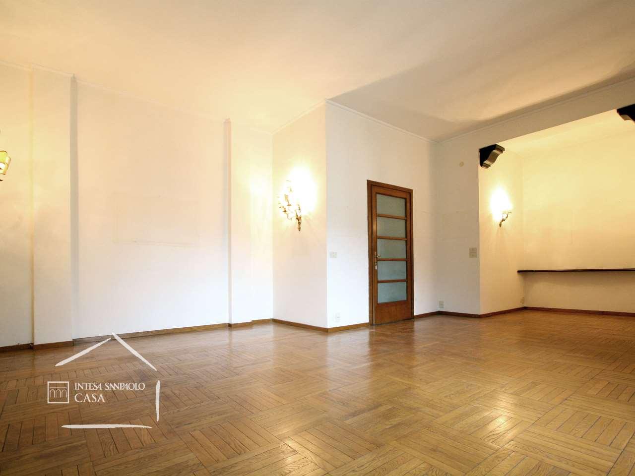 Appartamento in Vendita a Como: 5 locali, 188 mq