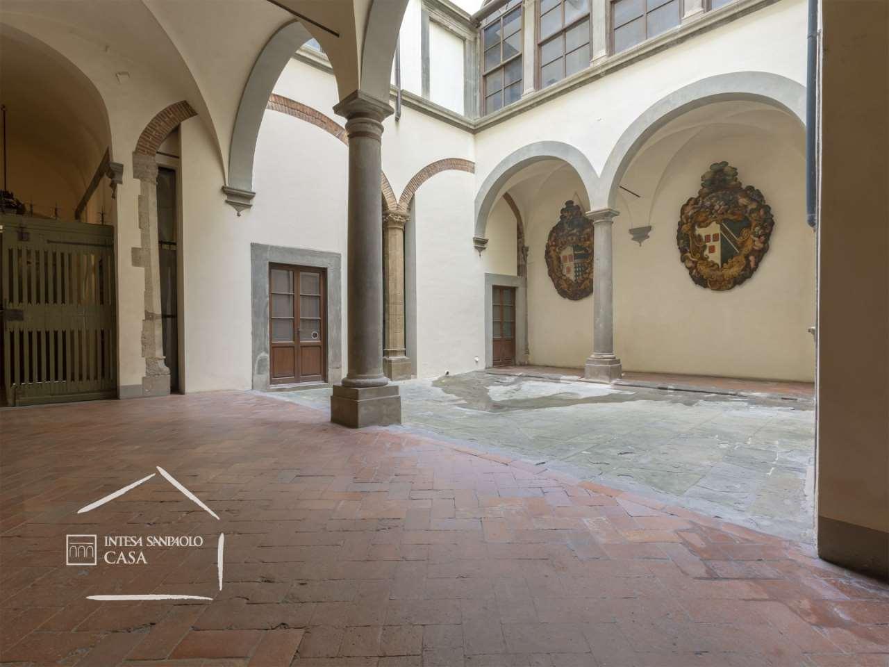 Appartamento in Vendita a Firenze: 5 locali, 165 mq