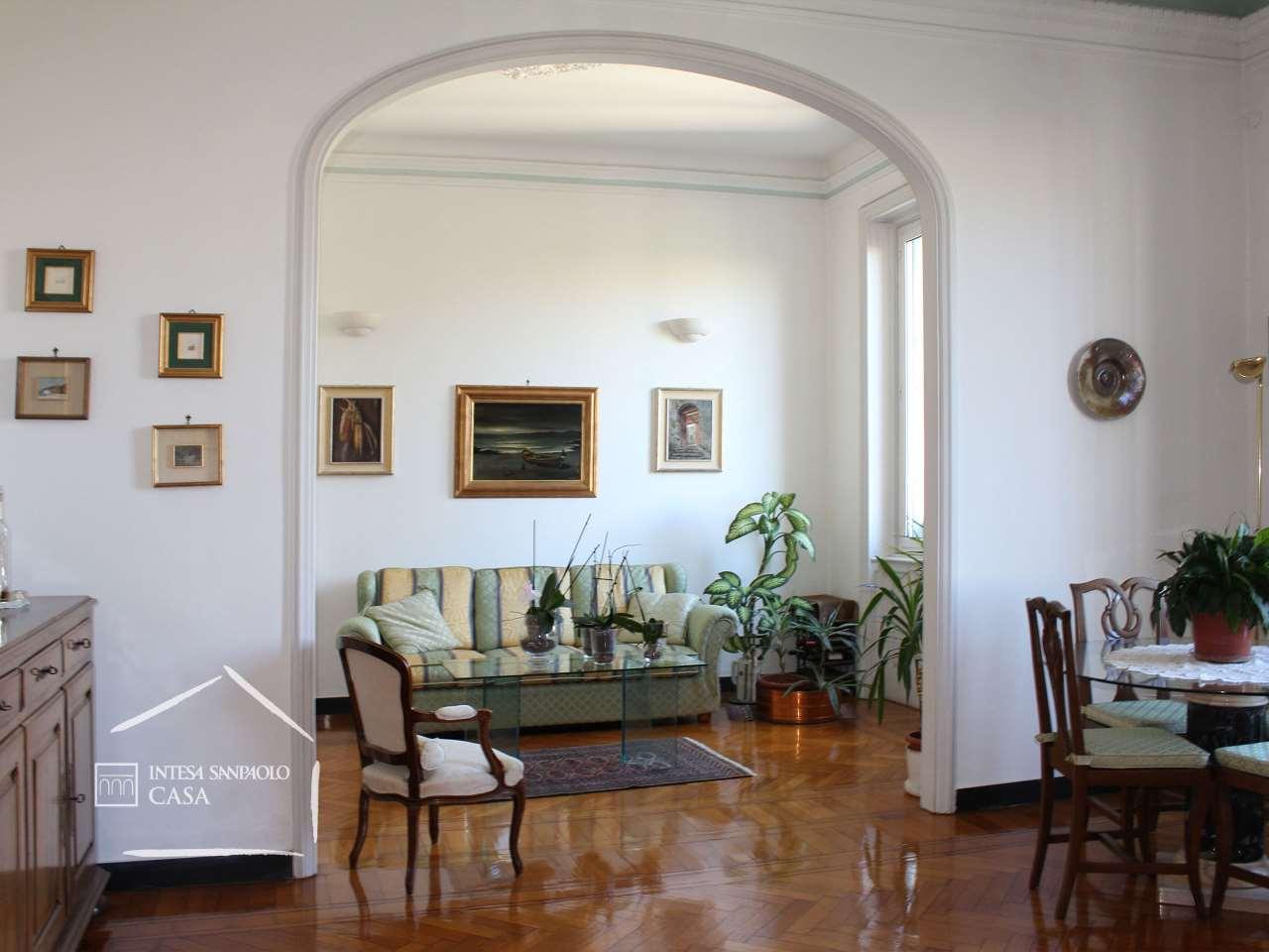 Appartamento in Vendita a Genova Centro: 5 locali, 209 mq