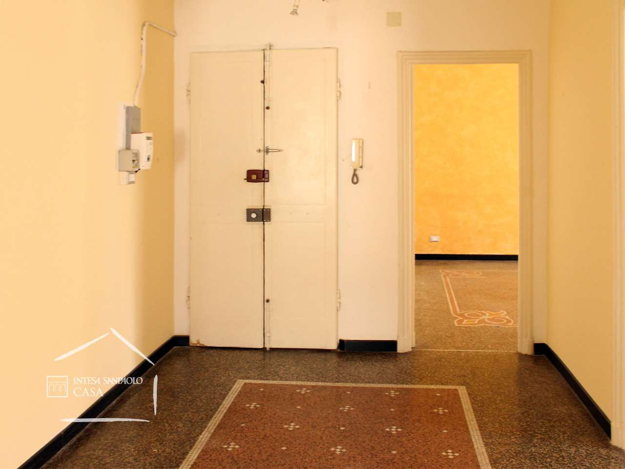 Appartamento in Vendita a Genova: 2 locali, 66 mq
