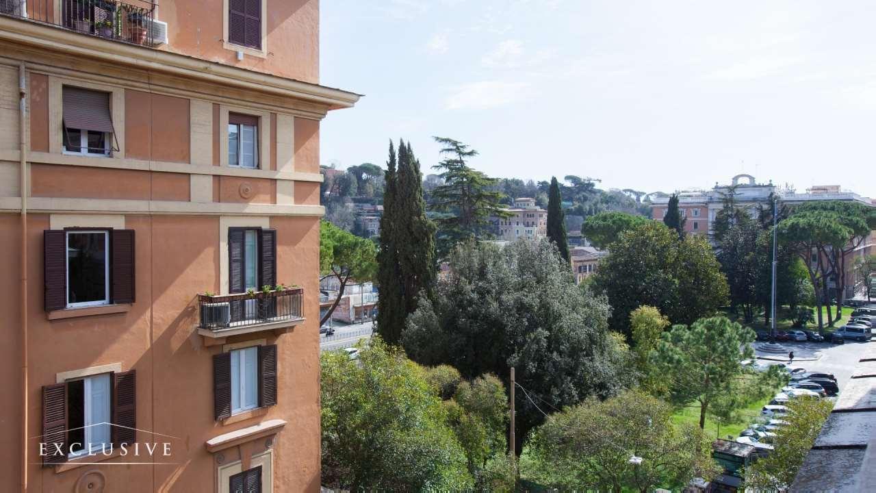 Attico in Vendita a Roma: 5 locali, 431 mq