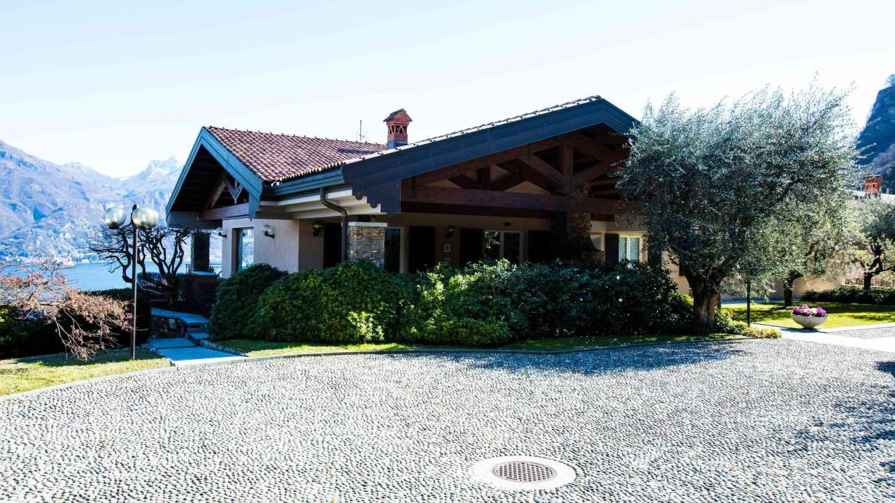 Villa in Vendita a Menaggio: 5 locali, 469 mq